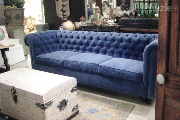 Come pulire la tappezzeria del divano - Pulire la pelle del divano ...